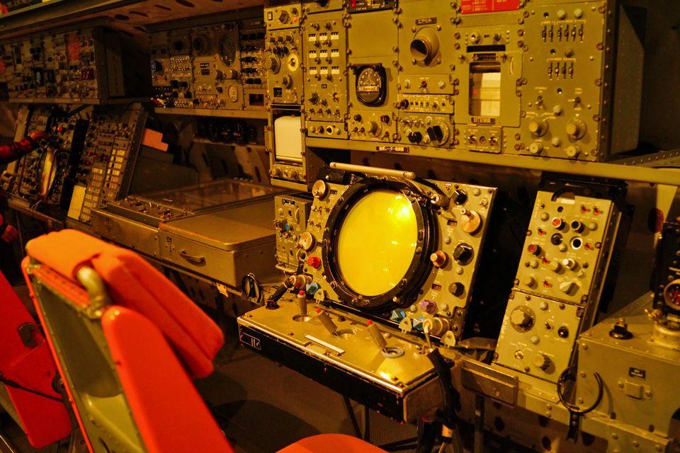 哨戒機のコックピットに座って航空士を疑似体験!?