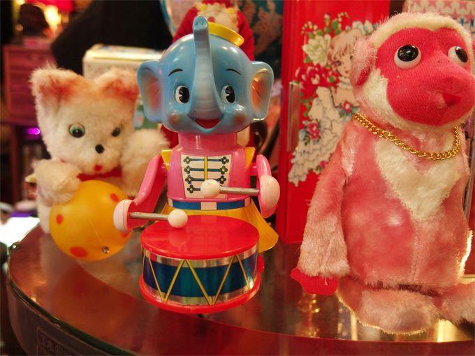 まるでおもちゃ箱!「いっぽう堂」には昭和の子供の夢とワンダーがいっぱい