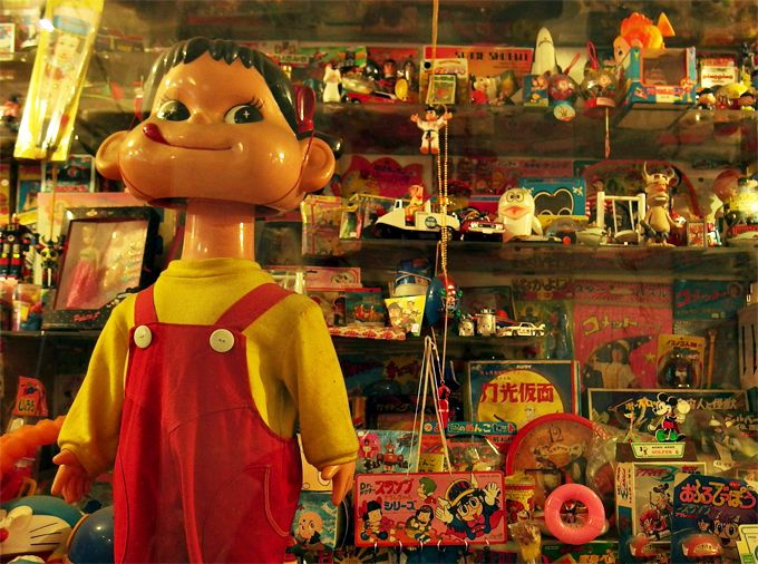 懐かしい香りいっぱい!昭和のおもちゃや人気アイテム、流行ファッションが集合!
