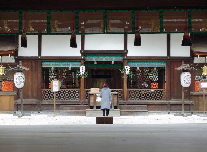 人気の秘密は自分でお化粧できる鏡絵馬!「河合神社」