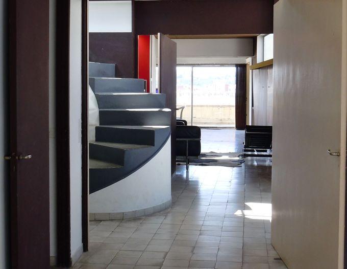 曜日に気を付けて!「ル・コルビュジエのアトリエのあるアパルトマン(歴史的記念建造物)」
