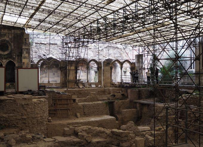 遺跡を見て紀元前を実感、歴史の大ロマンに浸る「リスボン大聖堂」
