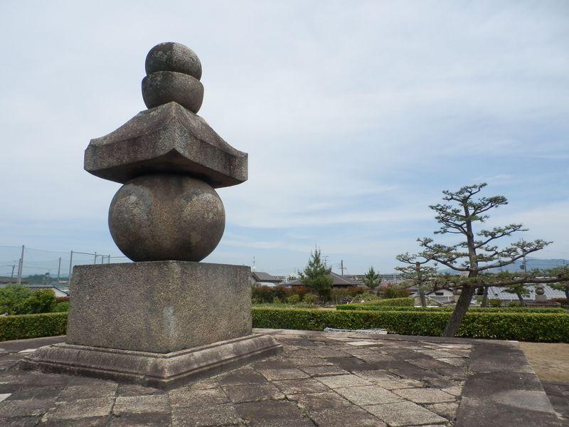こんな所にも往時の痕跡が!東大寺と双璧をなす「西大寺」の在りし日の姿を求めて