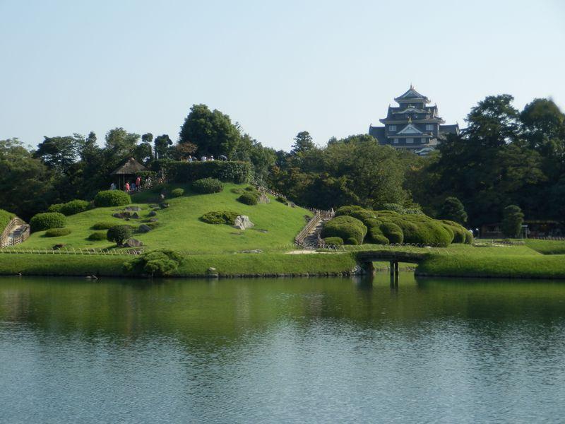広大な敷地と独創的な建造物を堪能しよう!大名庭園の粋を集めた後楽園