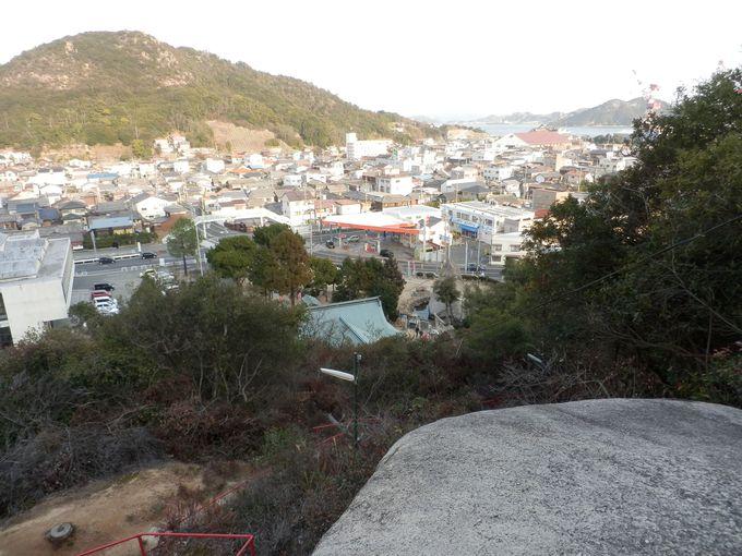 玉野の市街地を一望!臥龍稲荷神社奥宮からの眺め