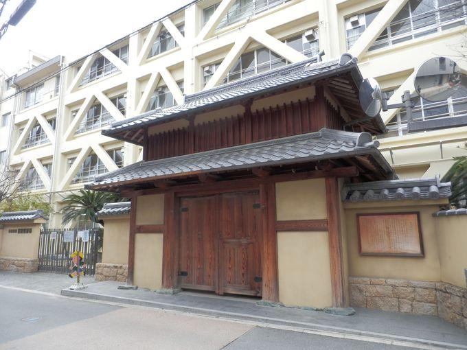 本丸跡!奈良・慈光院に移設された遺構を再現した櫓門