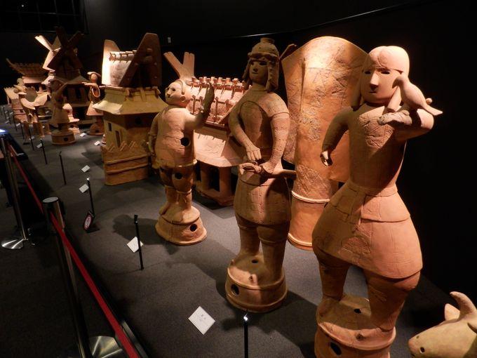日本最大の家型埴輪をふくむ数々の埴輪群