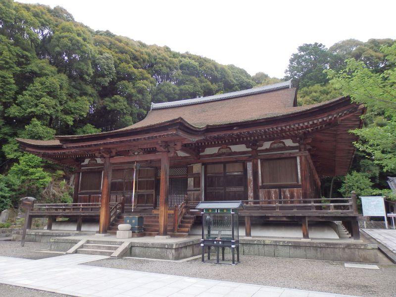 新興住宅地に国宝とはさすが奈良!富雄川沿いの古刹・長弓寺