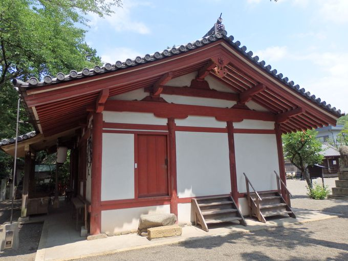 木材の組み方にも注目!古代の寺院建築を彷彿させる二重虹梁蟇股という構造