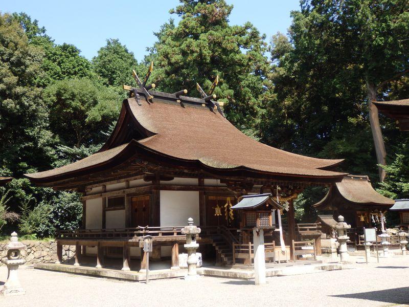 本殿は国宝!三上山を御神体とする滋賀県野洲市の御上神社