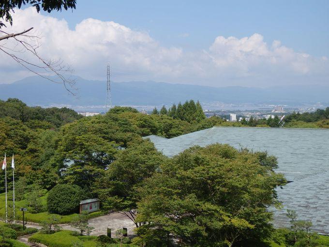 琵琶湖や滋賀の山々を一望のもとに!こども広場からの眺め