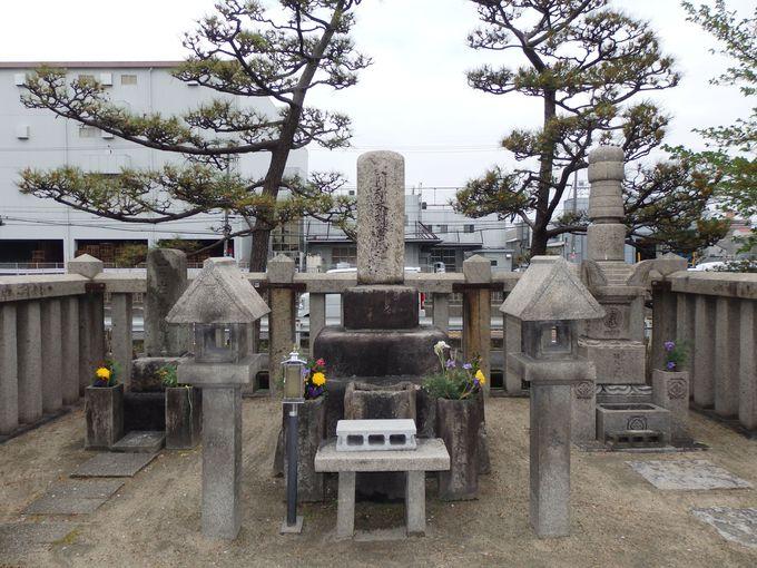 若江の戦いで討ち死にした西軍の武将・木村重成の墓