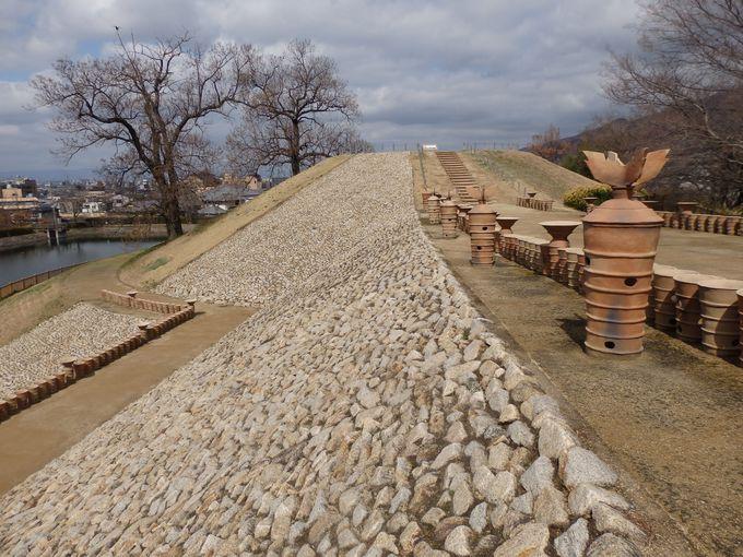 これが築造当時の古墳の姿!復元整備された墳丘