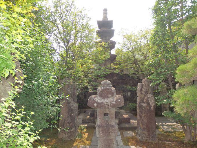 館外にも貴重な文物が!高麗時代の五重石塔