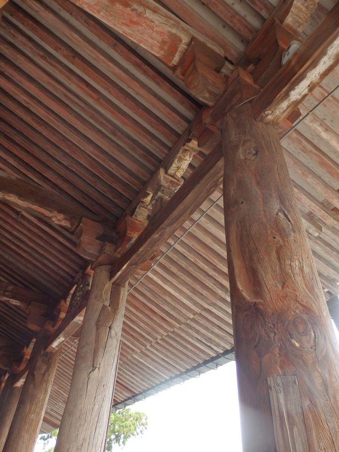 自然とともに生きるお寺!その象徴としての木柱