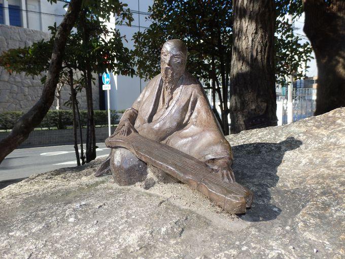 岡山を代表する文人画家・浦上玉堂の記念碑