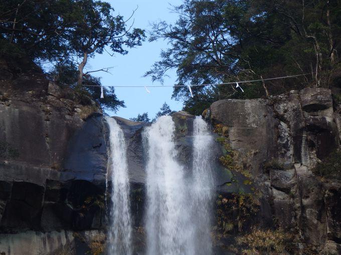 日本三名瀑の一つ「那智の滝」豪快な雄姿は圧巻!