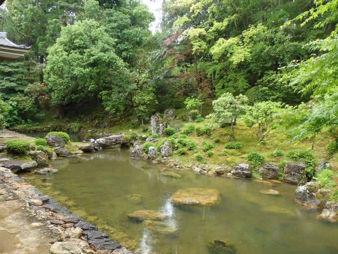 夢窓疎石の作と伝わる庭園