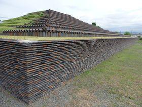 大阪に謎のピラミッド?巨大な現代アート?堺市の「土塔」|大阪府|トラベルjp<たびねす>