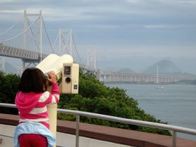 巨大な瀬戸大橋と四国や本州の特産品を堪能!香川・与島PA|香川県|トラベルjp<たびねす>