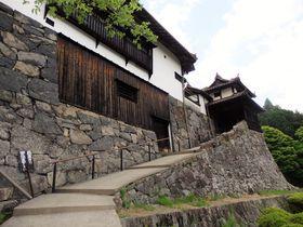 まるで城塞!映画『八つ墓村』にも登場する岡山の「広兼邸」|岡山県|トラベルjp<たびねす>