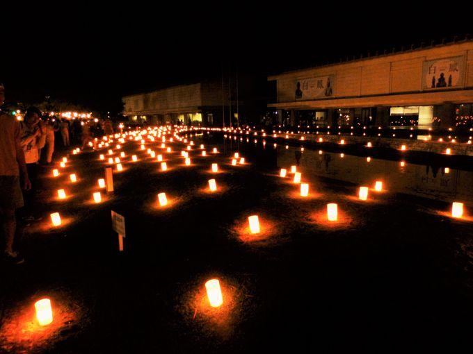 ろうそくの明かりが非日常的な空間を演出!奈良国立博物館前の光景