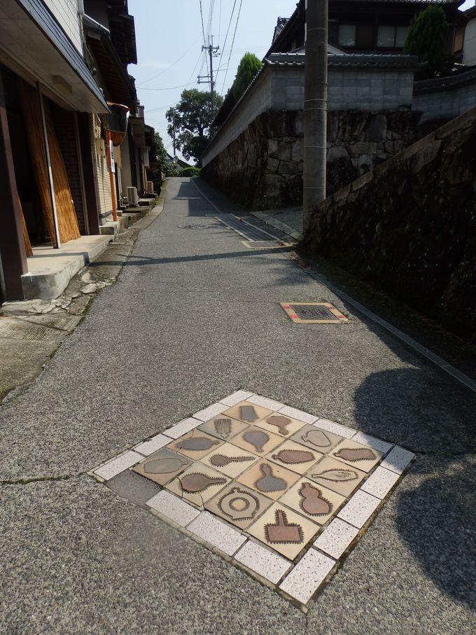 窯元も数多く点在!丹波焼をデザインしたタイルも見られる立杭の街並み