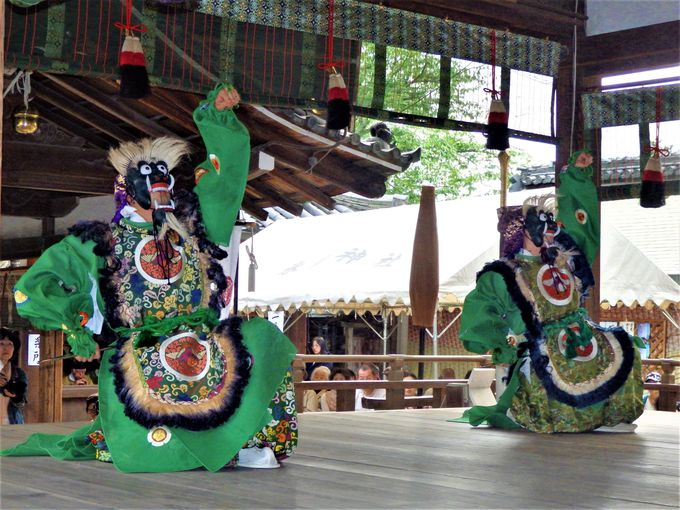 氷室神社とも深い関わりを持つ舞楽奉納