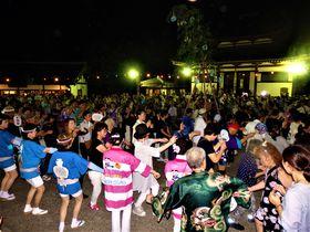 輪になって踊ろう!奈良・東大寺「十七夜」と「十七夜盆踊り」
