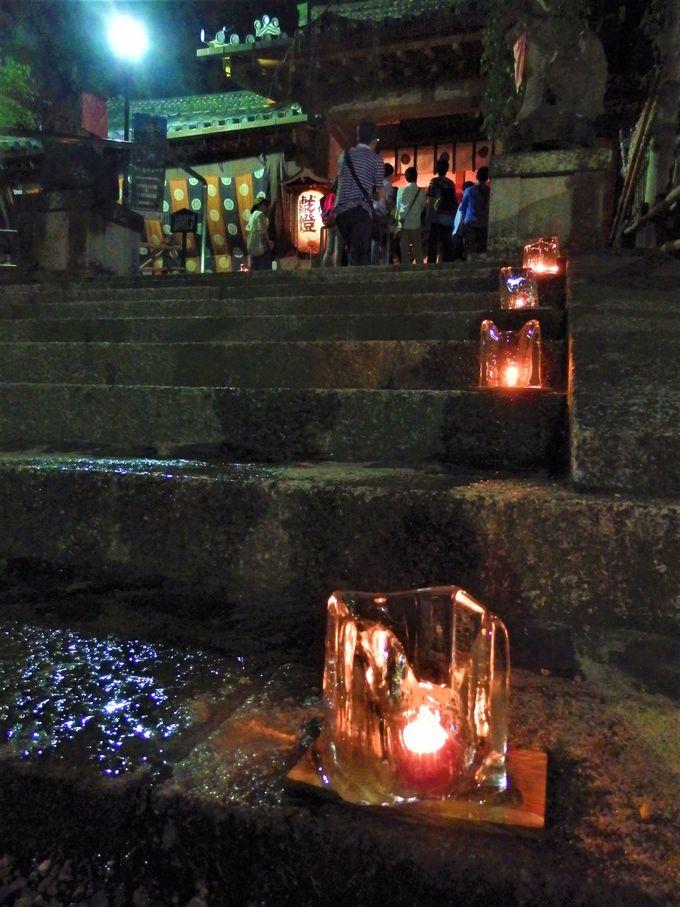 毎年10月1日の夜にとりおこなわれる「夕座舞楽」