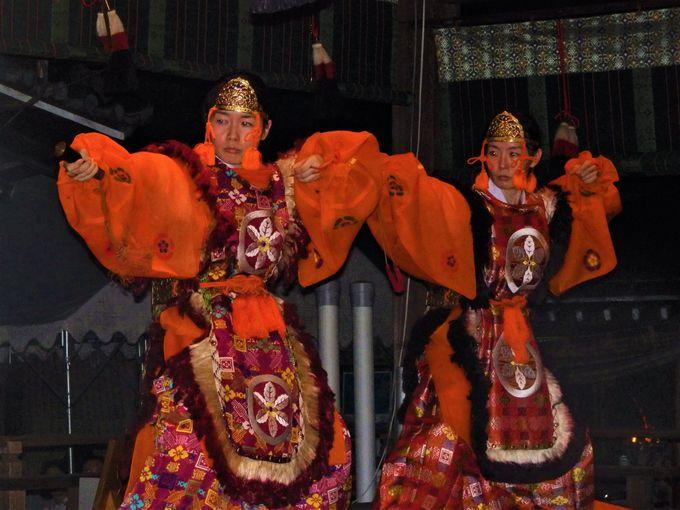舞殿で演じられる舞楽の数々(その1)
