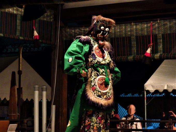 舞殿で演じられる舞楽の数々(その2)