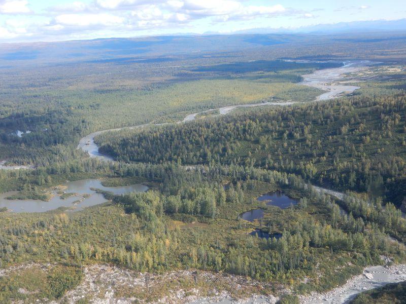 アンカレッジ発、セスナ遊覧飛行で北米最高峰「デナリ」に近づく