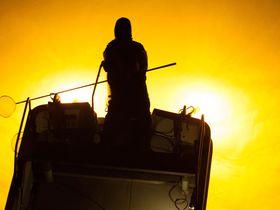 徳島吉野川の「シラスウナギ漁」と田井ノ浜の朝陽を臨む!|徳島県|トラベルjp<たびねす>
