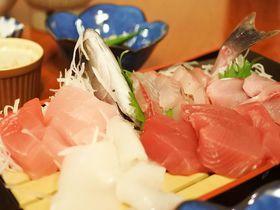 これぞ漁港の恵み!那智勝浦「民宿わかたけ」で料理&地酒をがっつり