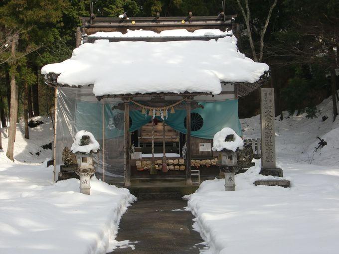 コウノトリ伝説の神社「久々比(くくひ)神社」