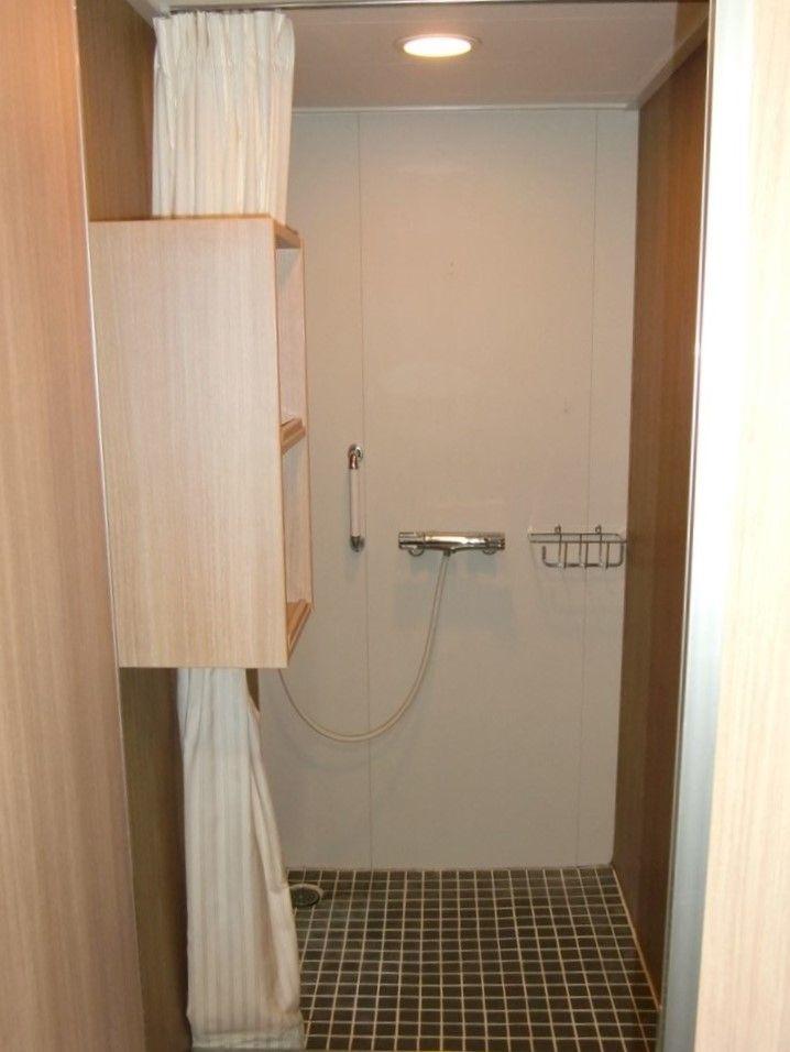 シャワールームに軽食・自動販売機が充実!「はやぶさ」