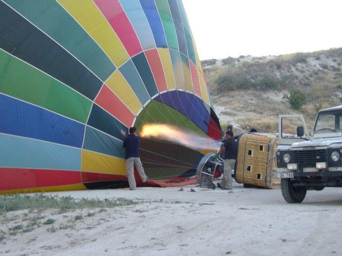 いよいよ気球へ!しかし気球ツアーは運次第