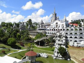 まるでお城!奇跡を呼ぶ聖母の教会 セブ島「シマラ教会」
