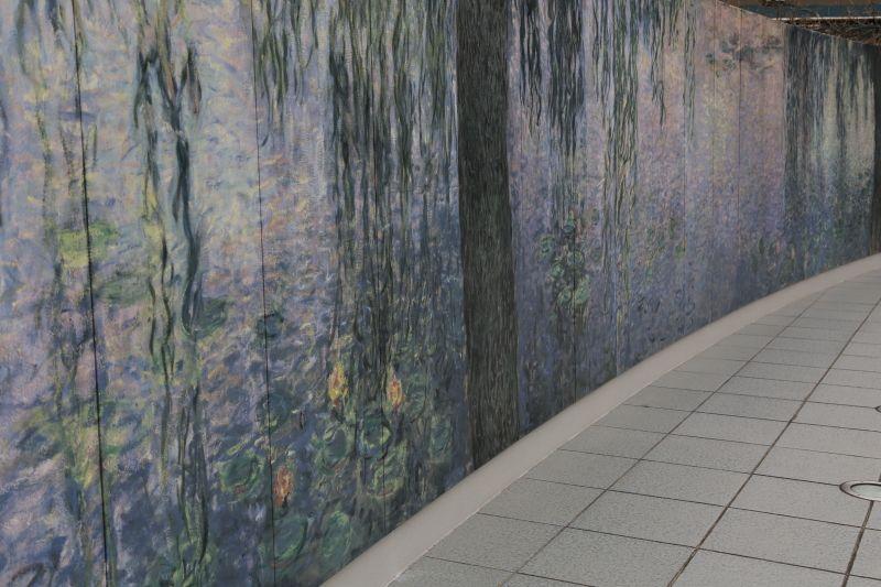 写真撮影が可能で絵画に接近できる美術館
