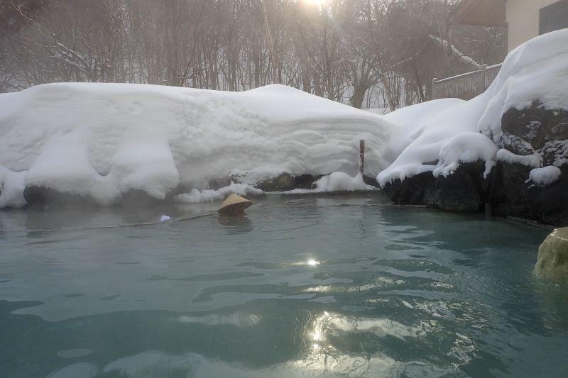 岩手県「松川荘」は露天風呂で雪見酒を楽しめる魅力的な温泉宿