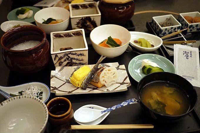 「ホテルで楽しむ優雅な朝食」特集で西日本1位に選ばれた朝御飯