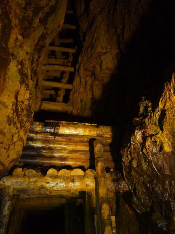 1300年の歴史がある坑道を見学しよう!