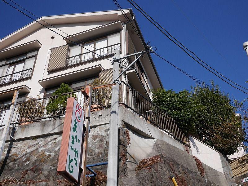最寄駅はJR東海道線の真鶴駅