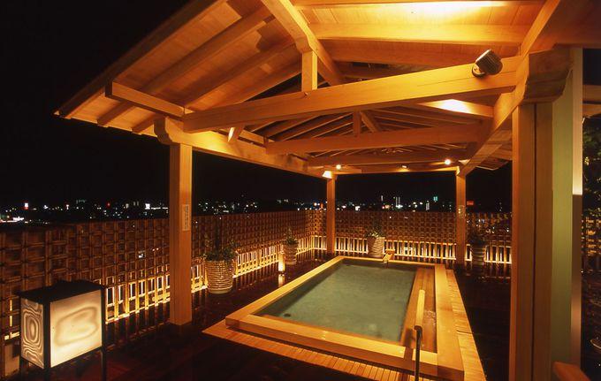 (3)屋上の露天風呂から、高知市の夜空を見渡そう…!