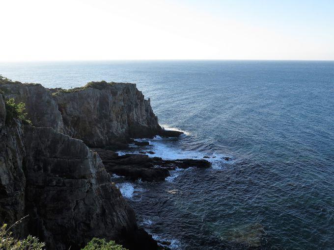 断崖絶壁から見る大パノラマ「三段壁」