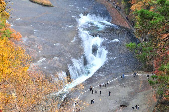 群馬県の名瀑!独特の風情を醸す東洋のナイアガラ「吹割の滝」