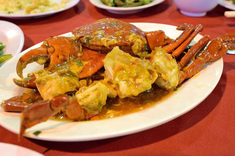 マレーシア、コタキナバルのスリ・セレラで新鮮シーフード!天然記念物もたべる!?
