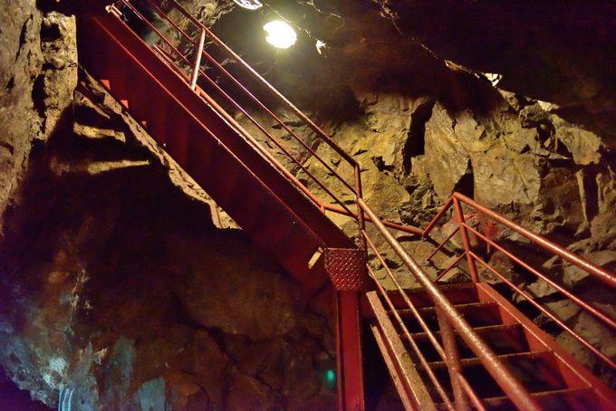 明延鉱山の重層構造