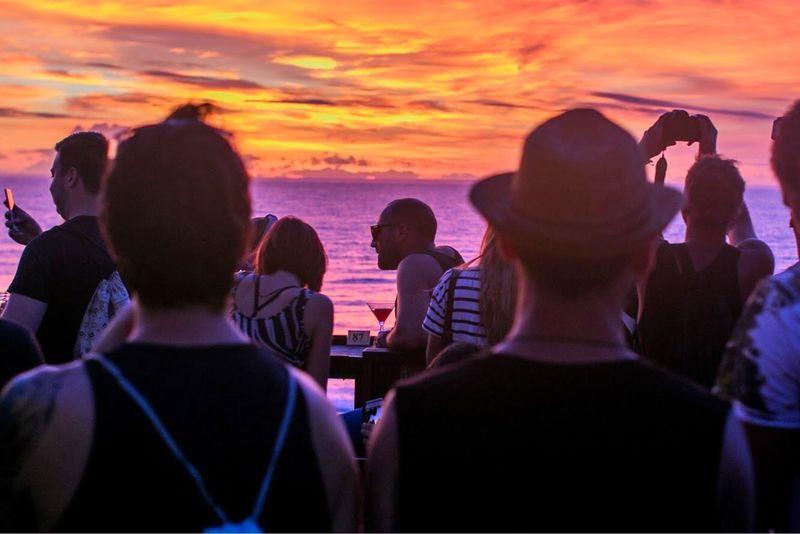バリ島超穴場カフェ「single fin」で極上サンセット